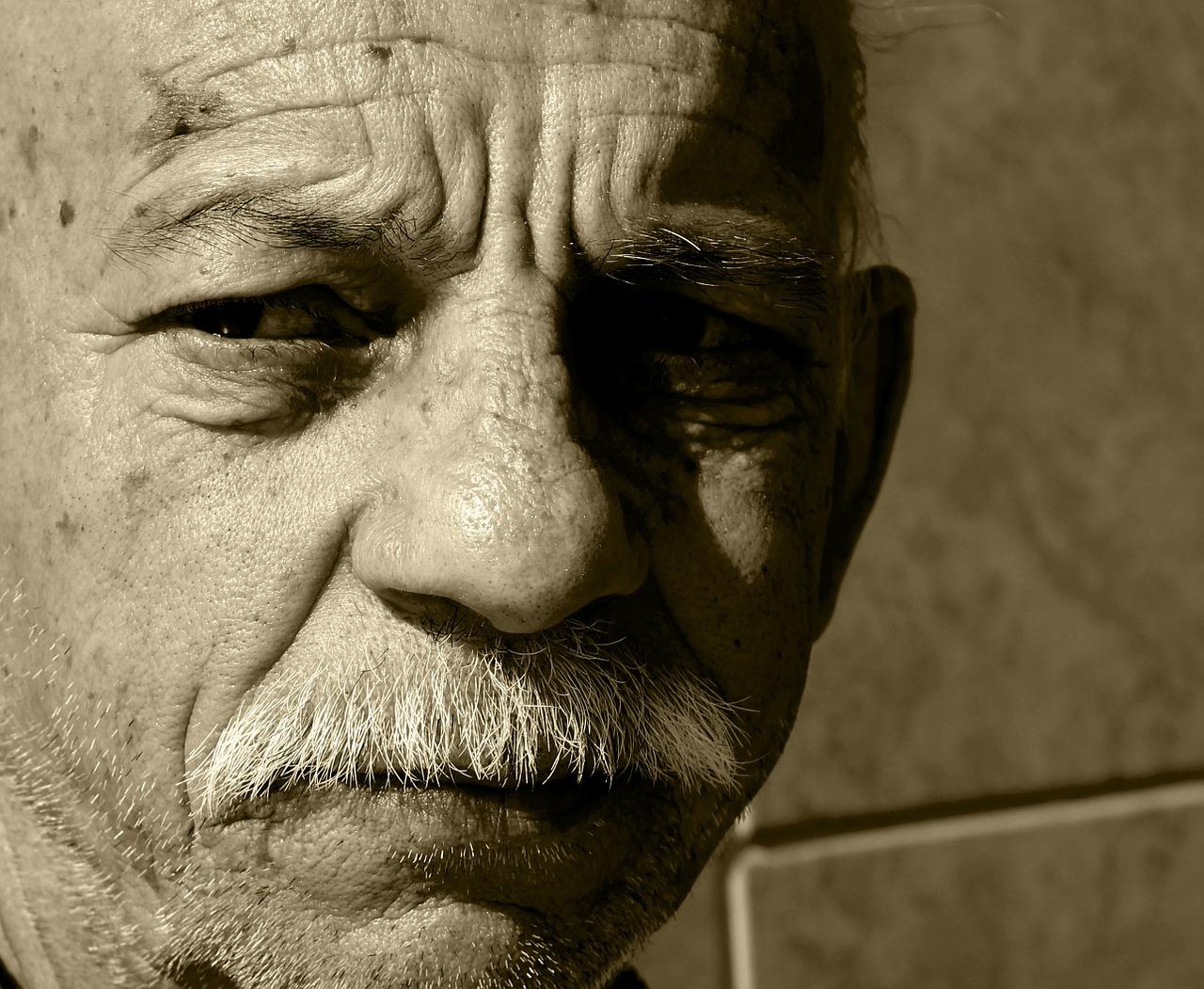 bob sad old man