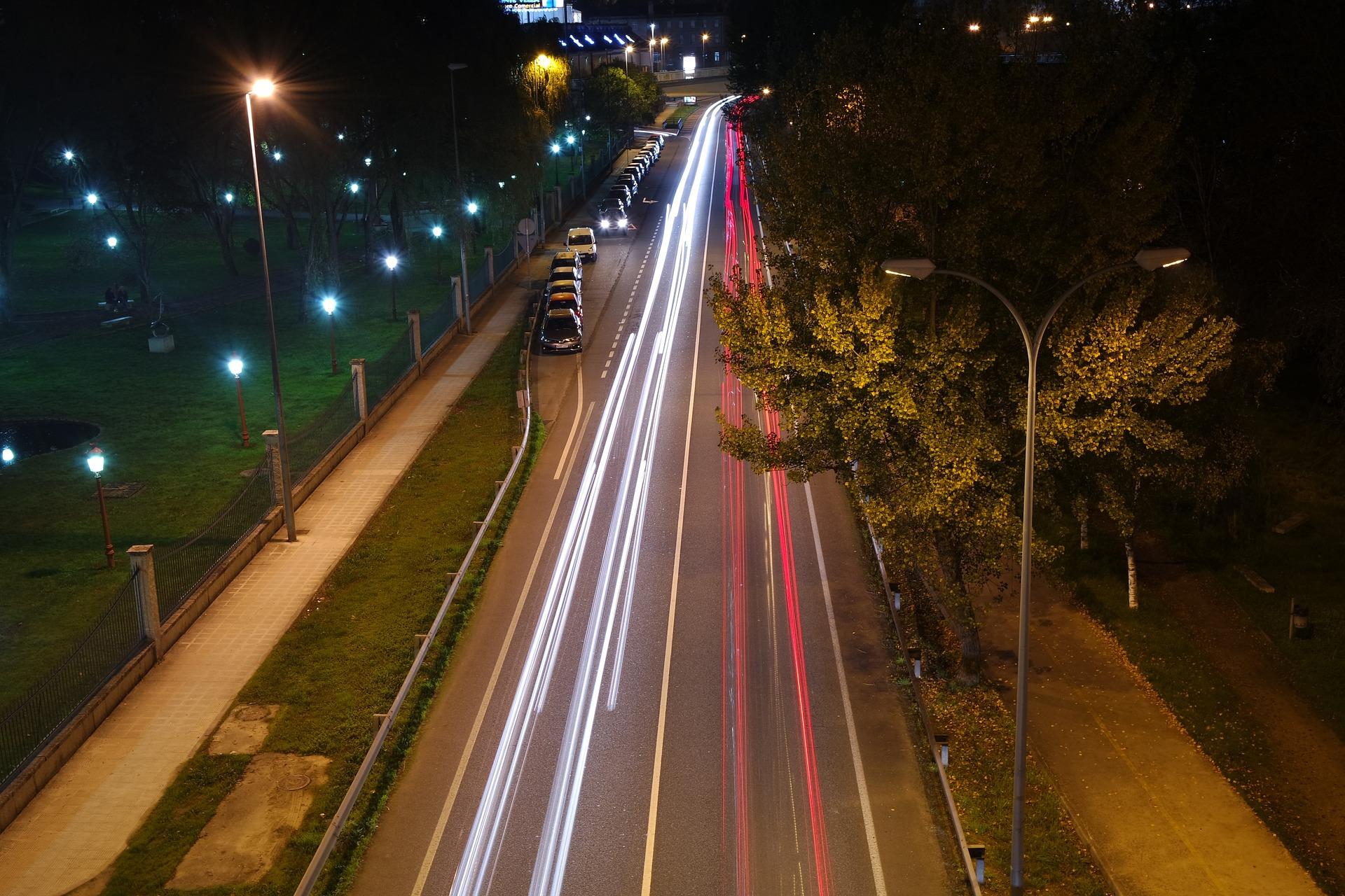 traffic-1149960_1920