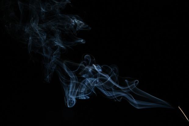 smoke-376543_1920